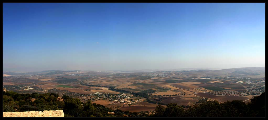 Долина Изреельская вид с горы Тавор (фавор)