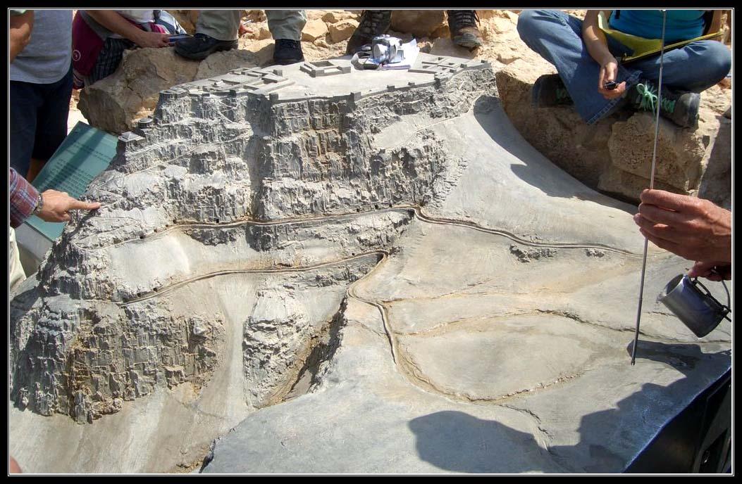Макет сбора воды в крепости Масада