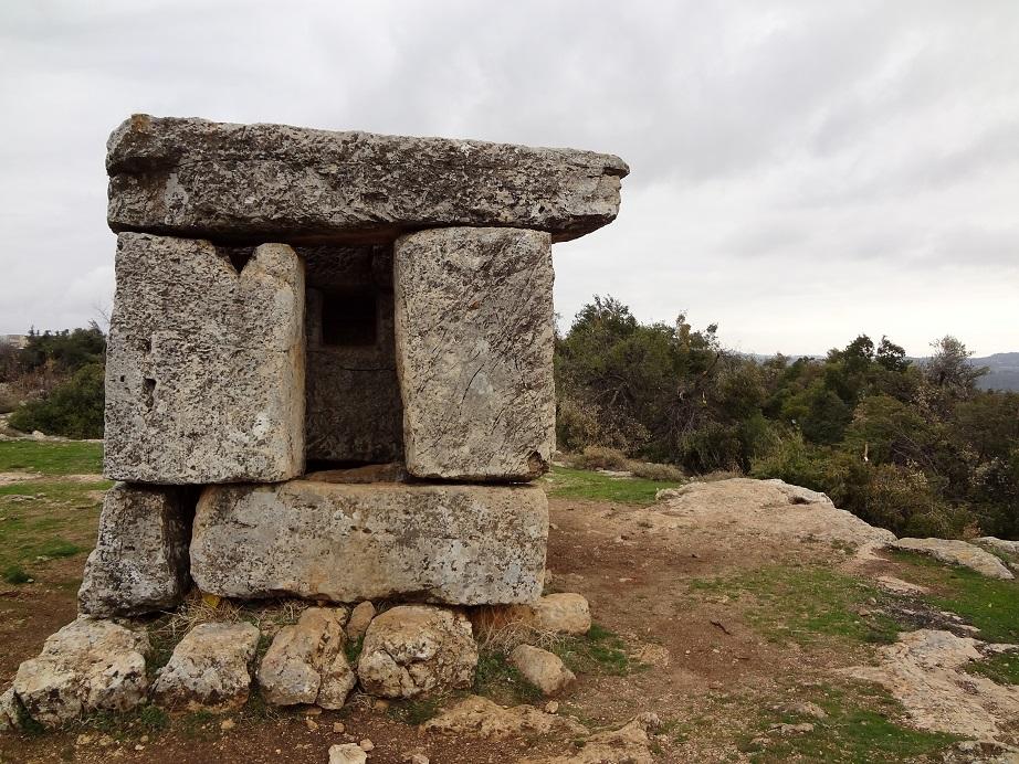 Мавзолей в хирбет Шема - Мирон