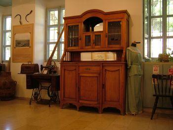 Домашняя утварь в доме музее профессора м\мера - Рош Пина - Израиль
