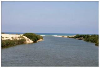 ручей александр встречает средиземное море - Израиль