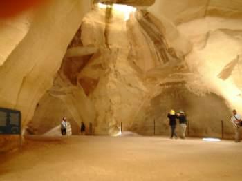 колокольная пещера в нацинальном парке бейт гуврин