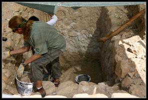 раскопки рядом с древней синагогой Эйн Геди