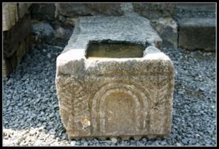архитектурный компонент в синагоге национального парка коразим - хоразин
