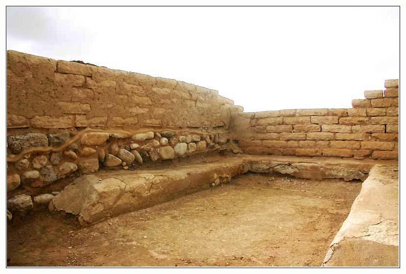 тель беер шева - ниша ворот, в которой сидели судьи Израиля